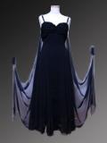 上品な黒いドレス