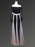 黒とシルバーのドレス