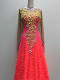 赤とオレンジのドレス 142107183343